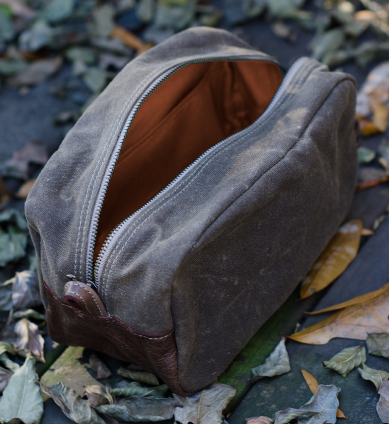 Veeshee Men's Dopp Kit